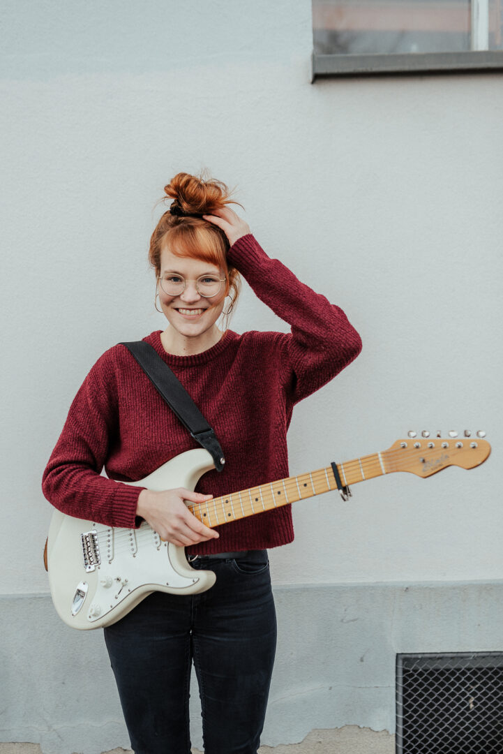 Ginger And The Alchemists (CH) | Solo